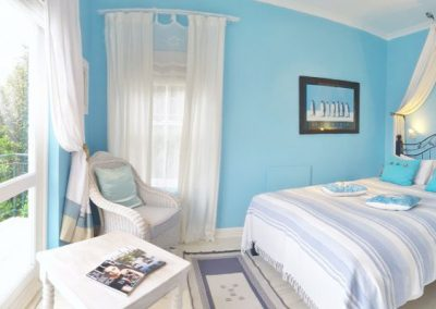 VON_ABERCRON_RESIDENCE-BLUE-OCEAN-BEDROOM-1-600x400